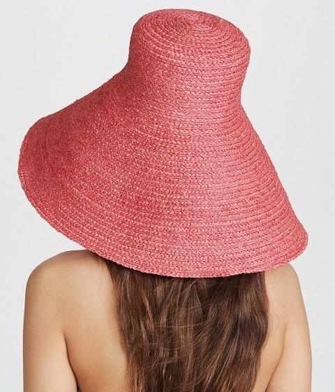 jacquemus straw hat alo magazine